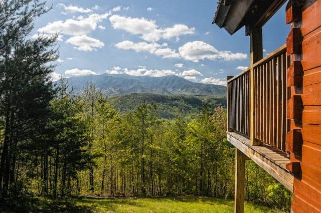 4 Reasons You Should Book Our Smoky Mountain Cabin Rentals With a View