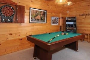 Autumn Bearadise cabins in Pigeon Forge with arcade games