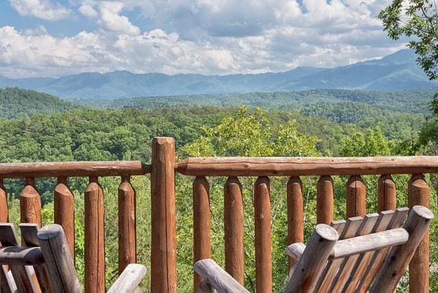 4 Telltale Signs You Need a Vacation at a Tennessee Smokies Cabin Rental