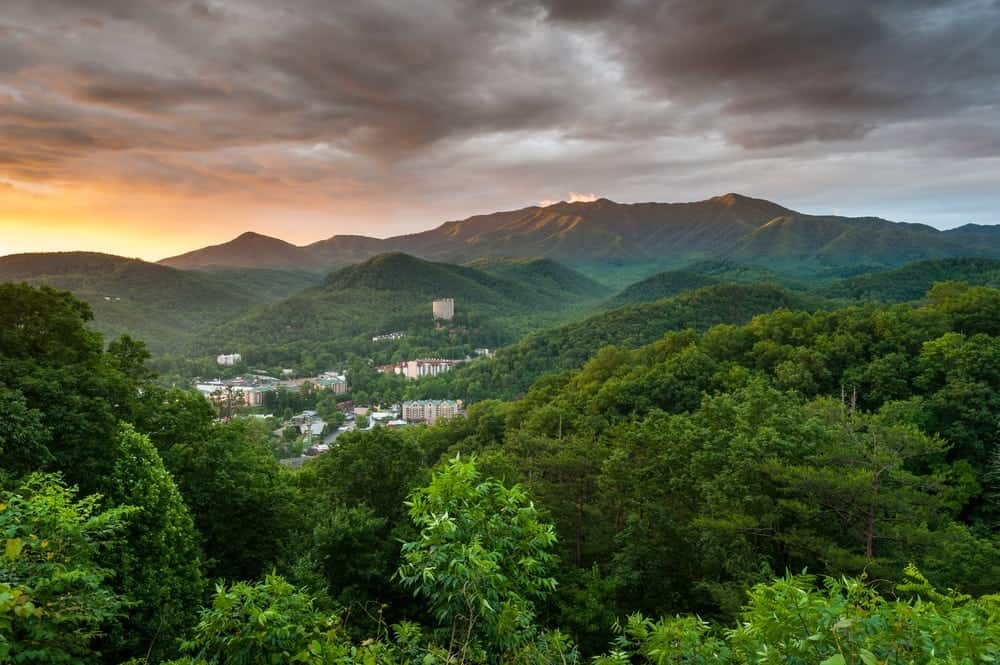 4 Reasons to Stay in Gatlinburg TN Cabins Under 100 Dollars per Night