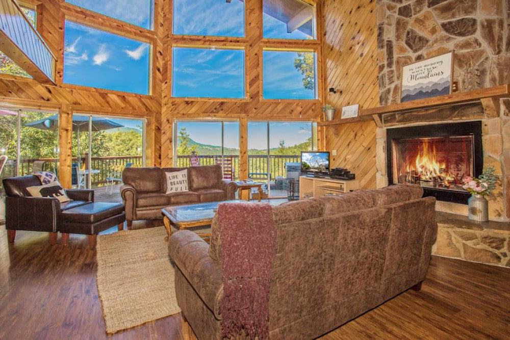 10 Fantastic Gatlinburg Cabins with Mountain Views