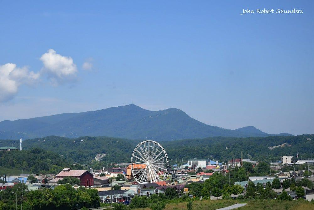 Top 4 Towns in the Smoky Mountains You Should Visit