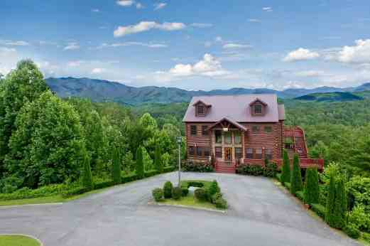 beautiful cabin in the Smoky Mountains